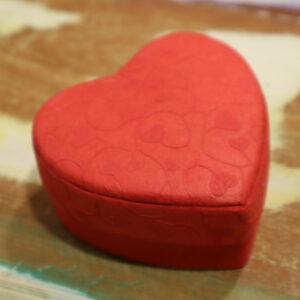 Doos hartjesprint rood